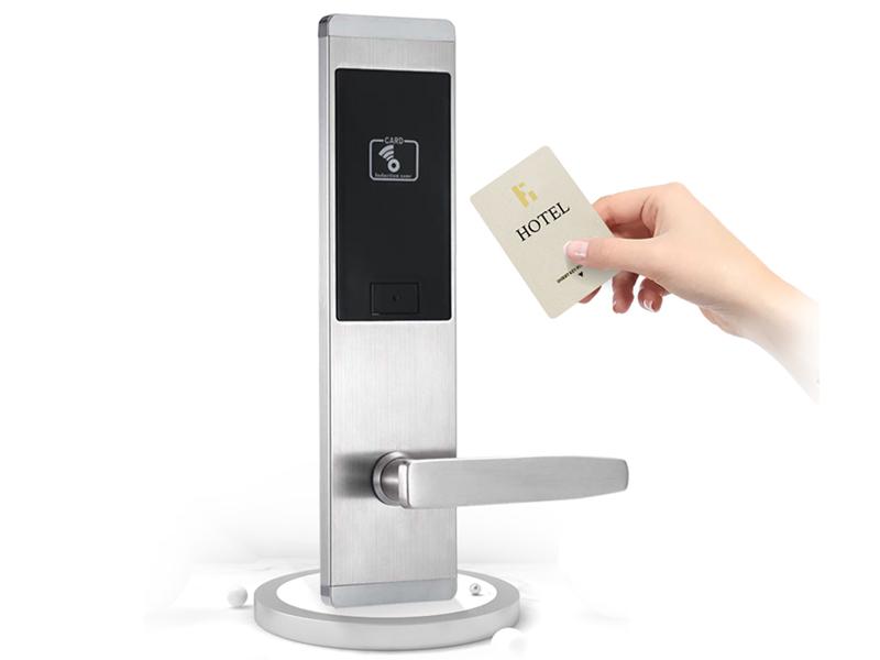 استفاده از موبایل به جای کارتهای پلاستیکی در هتل هوشمند