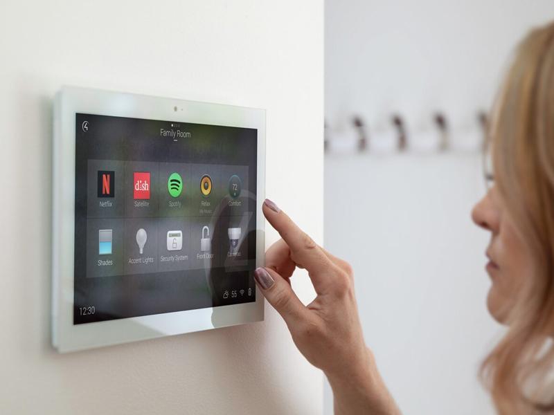خانهی هوشمند با سیستم صوتی و تصویری هوشمند Control4